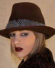 sombrero-plumas2