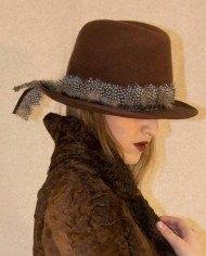 sombrero-plumas6